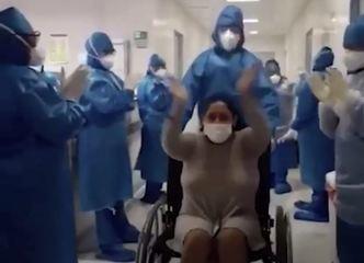 Sob aplausos, paciente do Covid-19 recebe alta e deixa hospital no AM