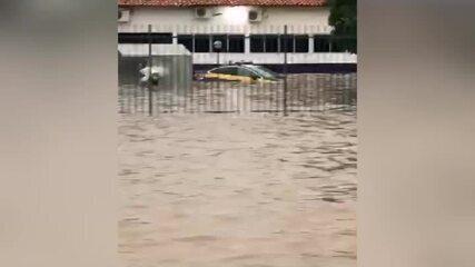 Sede da PRF em Teresina fica alagada e serviços são suspensos