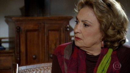 Íris conta para Alice segredo de Tereza Cristina