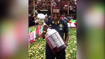 Flamengo homenageia Jorginho, massagista do clube, que faleceu em decorrência da Covid-19