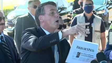 Durante entrevista, Bolsonaro critica jornal e grita 'cala a boca' para os jornalistas