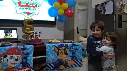 História de menino autista que queria amigos no aniversário viraliza na internet