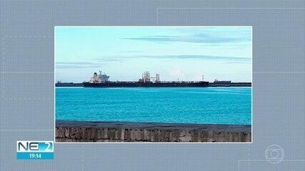Navio está em quarentena no Porto de Suape após tripulante testar positivo para Covid-19