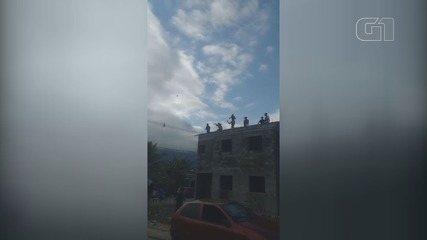 Campeonato de pipa em comunidade reúne cerca de 200 pessoas e revolta moradores