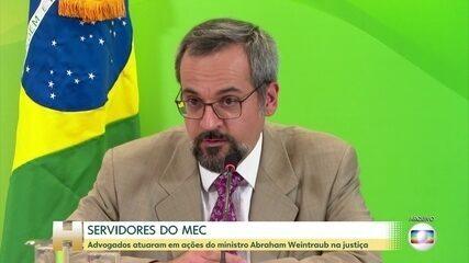 Servidores do MEC atuaram como advogados de defesa do ministro Weintraub na Justiça