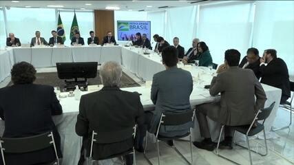 Damares critica atuação de governadores e prefeitos que adotaram isolamento social