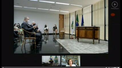 Bolsonaro se encontra em evento com procurador Augusto Aras