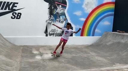 Rayssa Leal anda de skate na pista caseira feita pelos pais no Maranhão