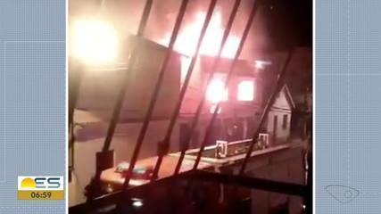 Incêndio atinge imóvel em Domingos Martins