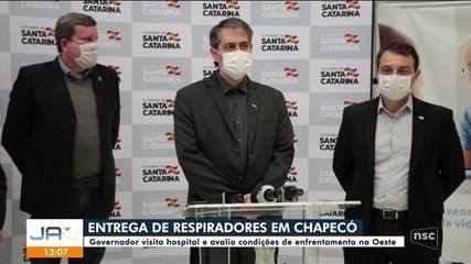 Governador de SC visita Chapecó e avalia enfrentamento da pandemia