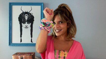 Paula mostra como ressignificar os scrunchies (as xuxinhas de cabelo cobertas por tecido)