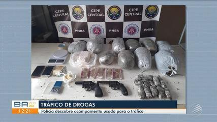 Polícia descobre acampamento usado para o tráfico de drogas