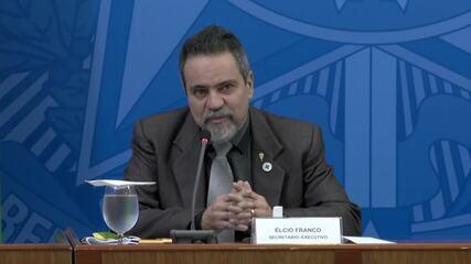 Informações sobre coronavírus devem ser divulgadas todo dia até as 18h, diz ministério