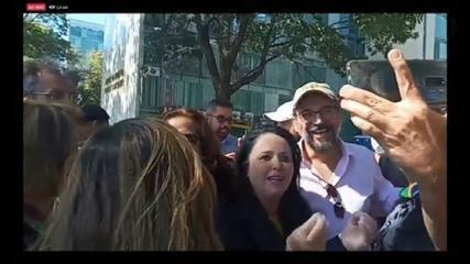 Weintraub encontra apoiadores do governo e provoca aglomeração em Brasília