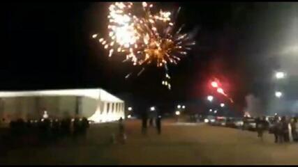 Grupo lança fogos de artifício na direção do prédio do STF