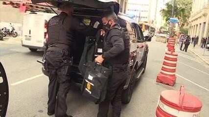 Polícia apreende documentos na prefeitura e na casa do prefeito de Mauá