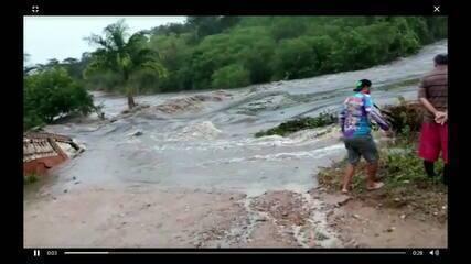 Barragem se rompe em Sairé e água invade casas em Barra de ...