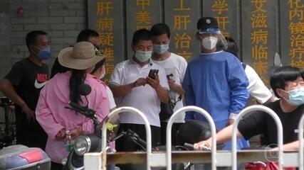 Em Pequim, na China, novo surto de coronavírus põe autoridades em alerta