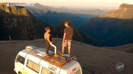 Edlaine Garcia conhece um casal que viajou o Brasil de Kombi
