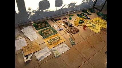 Polícia Civil apreende materiais de grupo extremista antidemocrático no DF