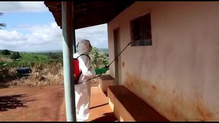 Aldeia indígena é desinfectada contra o coronavírus em Palmeira dos Índios