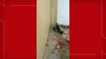 Ventania em Camocim derruba telhas e muros