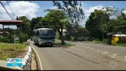 Ônibus e táxis voltam a operar em Noronha após redução de casos