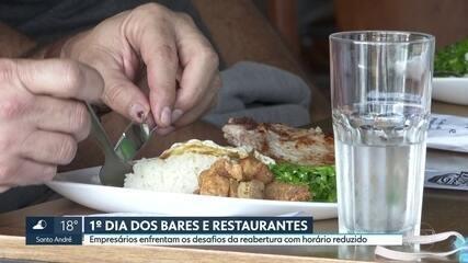 Bares e restaurantes reabrem depois de 104 dias na capital