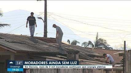 Garuva continua sem energia elétrica e moradores tentam reconstruir os estragos do ciclone