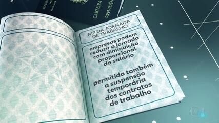 Bolsonaro sanciona MP que autoriza redução de jornada e salário