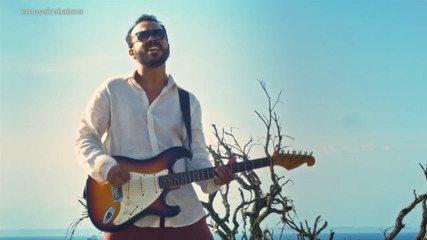 Músico Ricardo Caian homenageia o rock'n'roll, e ressalta nomes de grupos baianos