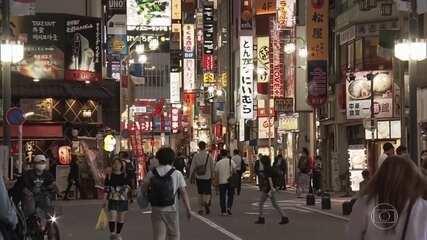 Governo de Hong Kong volta a impor restrições à população após aumento no número de casos