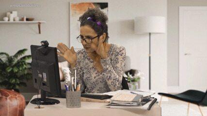 Maria Menezes brinca sobre o comportamento dos alunos que estão tendo aulas à distância