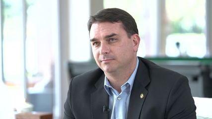 Flávio Bolsonaro vai prestar depoimento nesta segunda-feira (20)