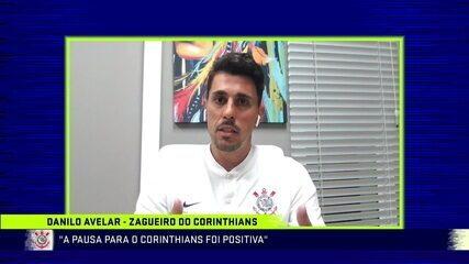 Danilo Avelar, zagueiro do Corinthians, participa do Troca de Passes