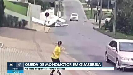 Avião monomotor cai em Guabiruba e deixa dois feridos