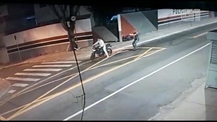 Policial é preso em flagrante na Zona Leste após matar homem em moto durante abordagem