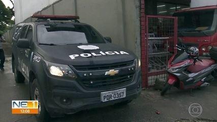 Operação policial que investiga 'rachadinha' prende três assessores parlamentares no Cabo