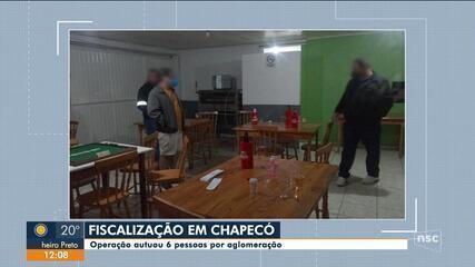Operação autua 6 pessoas por aglomeração em Chapecó