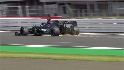 Hamilton cruza a linha de chegada com o pneu furado e vence o GP da Inglaterra