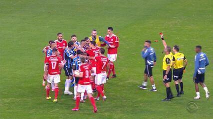 Orejuela, do Grêmio, e Patrick, do Inter, são expulsos após gol do Grêmio no Gre-Nal