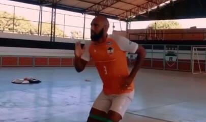 Vídeo: zagueiros Leone e Darlan treinam pela primeira vez no River-PI