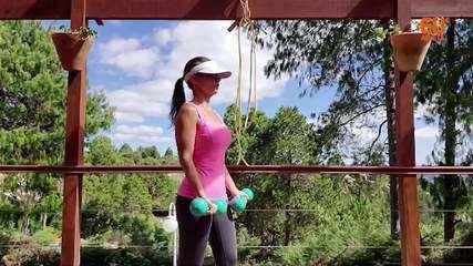 A fisiologista Gerseli Angeli dá um treino de musculação sob medida para frear a perda de massa muscular