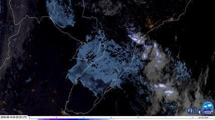 Imagens de satélite mostram tornados e tempestades que atingiram SC