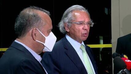 'Senado deu um sinal muito ruim', diz Guedes sobre derrubada de veto que impedia reajuste