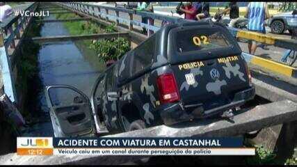 Viatura da PM cai em canal durante perseguição em Castanhal, no Pará