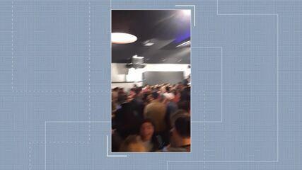Em meio à pandemia, bar faz promoção de chopp e petisco e causa aglomeração no AC