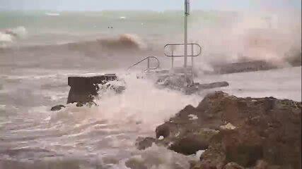 Tempestade Laura se aproxima de Key West, nos EUA