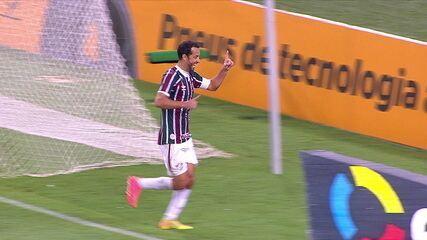 Gol do Fluminense! Nenê cobra o pênalti e marca, aos 35 do 2ºT
