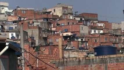 Auxílio emergencial do governo ajudou a reduzir a pobreza extrema no Brasil